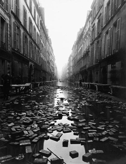 ARIS UNDERWATER - Historical Library of Paris, 1910